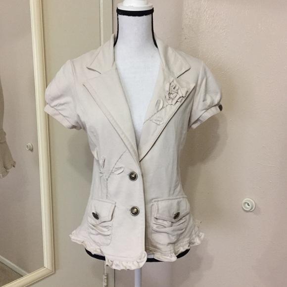 Anthropologie Jackets   Blazers - Anthro  Nick   Mo  Short Sleeve Jacket 5bde0f514d70